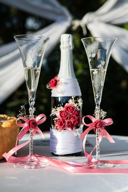 Поздравить с днем свадьбы в стихах красиво